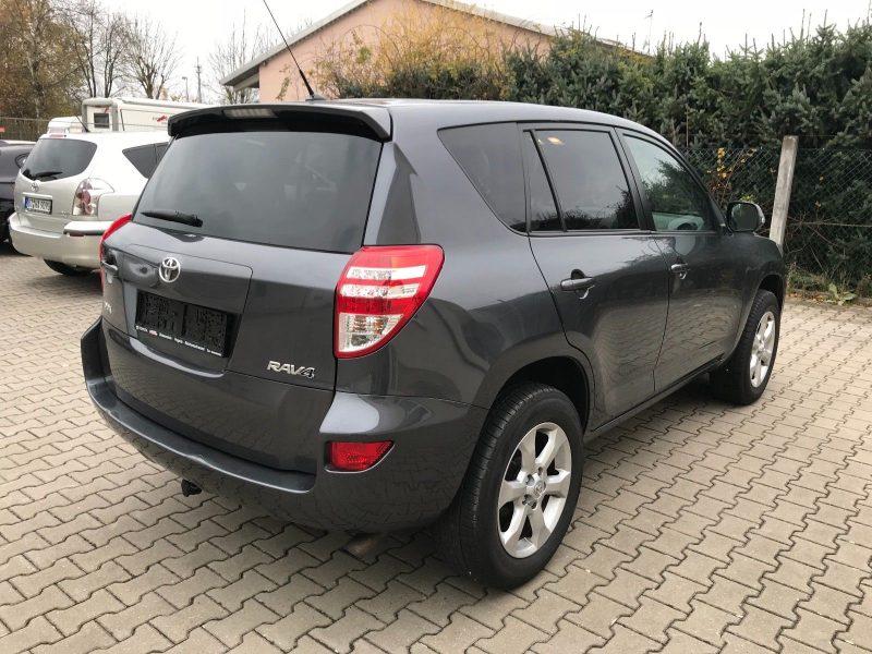 Покупка (внос) на кола от Германия - Toyota Rav 4 - Пълно Оборудване - 2010 - 2.2 D4D - 150 к.с. - 11600 Еuro (3)