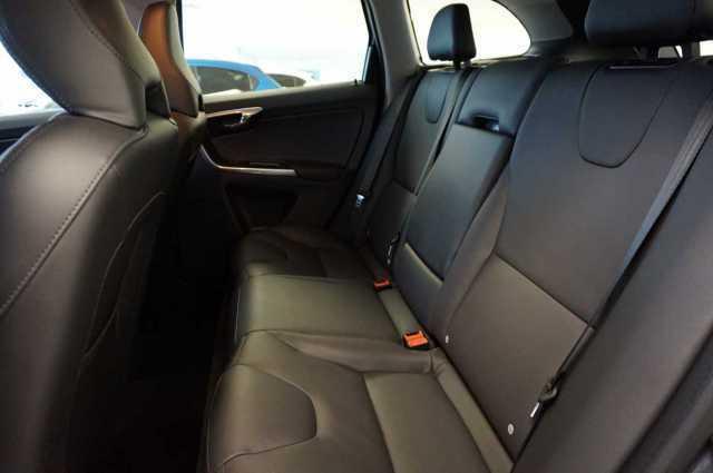 Покупка на кола от Германия - Volvo XC60 D5 AWD Aut. Summum - 2016 - 2.4D - 220PS - 32700 Еuro (7)