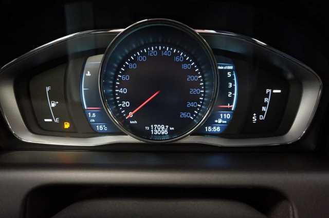 Покупка на кола от Германия - Volvo XC60 D5 AWD Aut. Summum - 2016 - 2.4D - 220PS - 32700 Еuro (8)