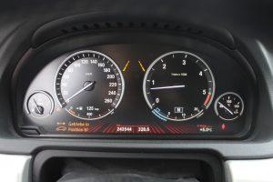 BMW 535d xDrive Gran Turismo 2011 3.0d 299hp Gallery (7)