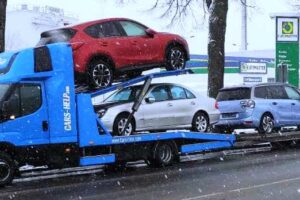 22. Транспорт, превоз, платформа, автовоз на Mercedes E320, Mazda CX5, Citroen C4 Picasso, Audi A3